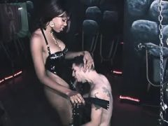 Beautiful ebony shemale sucked by slave bound chap